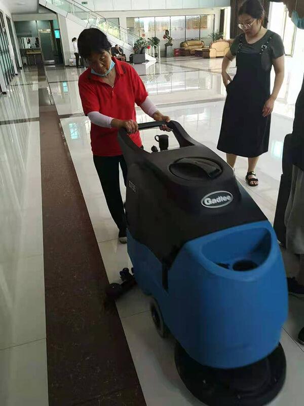 沐鸣2招商主管35497商场室内洗地机清洁案例
